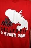Il porte un tee-shirt du 5 février 2009...on lui refuse l'entrée d'un restaurant en Martinique
