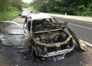 Un véhicule en feu à Fond capot en Martinique