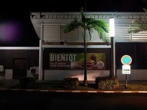 Fast food d'un retour au pays fatal