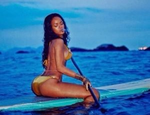 #Riri fait du stand-up paddle