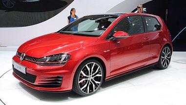 La Golf, le trou de balle et sa Volkswagen de fille
