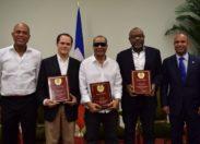 #Haïti récompense Éric #Virgal le chanteur romantique qui ne va qu'au cœur