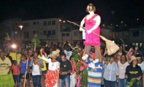 """Carnaval 2016 : la Politique au premier plan ou """"l'alerte cacarelle"""""""