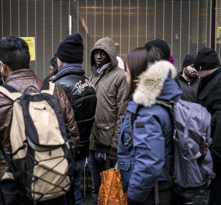 «La France discrimine ses étrangers» (Jacques Toubon)