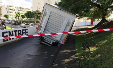 Le pichon des camions renversés se poursuit en Martinique
