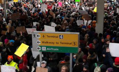 Manifestation au Terminal 4 de JFK à New-York (live)