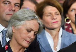 Penelope Fillon n'avait pas de badge à l'Assemblée nationale mais la femme de l'ascenseur du député Nilor en a un.  Claude Bartolone tu dis quoi ?