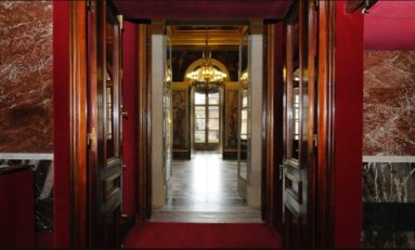 Assemblée Nationale: une perquisition est en cours. Que va t-on découvrir derrière une porte dérobée, dans un ascenseur bloqué, sous une pile de dossiers poussiéreux ?
