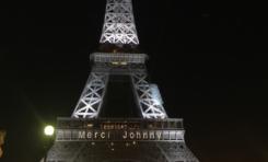 L'image du jour 9/12/17 - Paris -Tour Eiffel - Johnny Hallyday