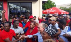 Arrivée triomphale d'Alfred Marie-Jeanne à l'aéroport Aimé Césaire en Martinique