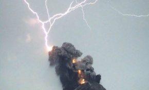 Impressionnante éruption volcanique au Guatemala (Photos - Vidéos)