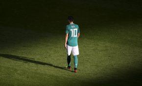 """""""Je suis Allemand quand nous gagnons, et immigré quand nous perdons"""". Le joueur allemand Ozil met fin à sa carrière, dégouté."""