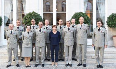 Armée de France : rendez-vous les nègres...vous êtes cernés