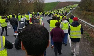 France :les gilets jaunes sont En Marche contre la politique de Macron