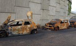 Trois véhicules carbonisés à deux pas d'une gendarmerie en Martinique