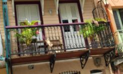 À qui appartient cette maison située au 33 bis Rue Moreau de Jonnes à Fort-de-France en Martinique ?