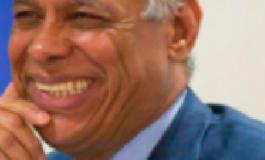 Malgré son costume et sa cravate...Ary Chalus le président de Région  découvre en...Guadeloupe le racisme anti-nègres