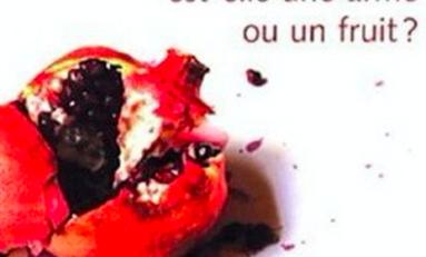 Cette grenade dans la main du jeune nègre est-elle une arme ou un fruit ?