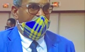 Un élu de Guyane voulant concurrencer Rihanna invente le masque à ras