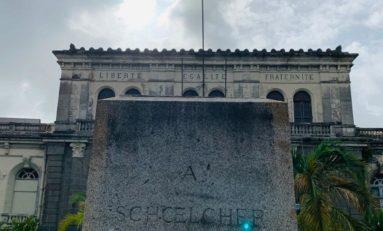 Une nouvelle statue  remplace Victor Schoelcher à Fort-de-France en Martinique