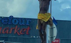 Martinique : oh mon dieu...oh Djee Zeus...on s'attaque à Jésus