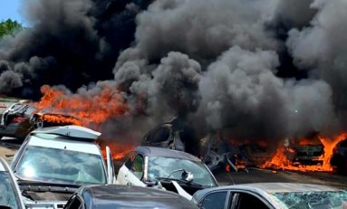 Incendie à la casse d'Arcole au Lamentin en Martinique