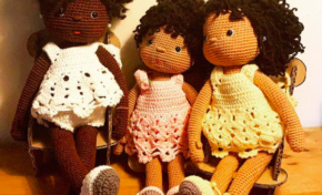 🎶🎵 Ce sont nos poupées...on  dit...oui oui oui oui oui...toute la journée🎶🎶🎵