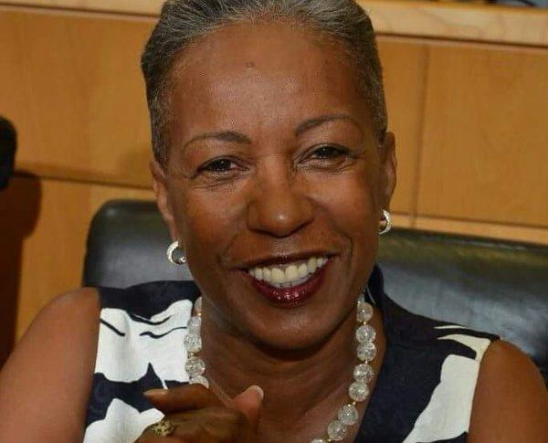 Reconfinement en France :  Louise Telle la fausse psychologue élue à la Collectivité Territoriale de Martinique ne pourra se rendre à Paris