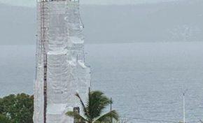 Martinique : le phare de la pointe des nègres en mode Christo
